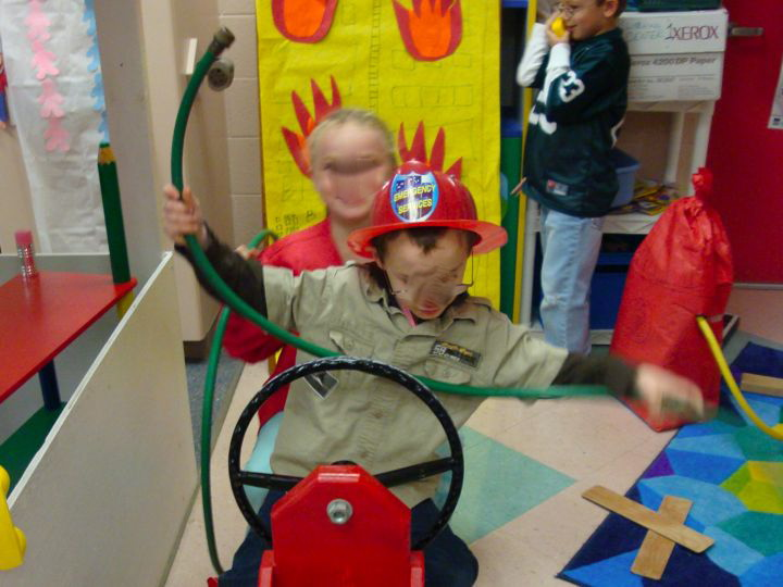 how to set up dramatic play area