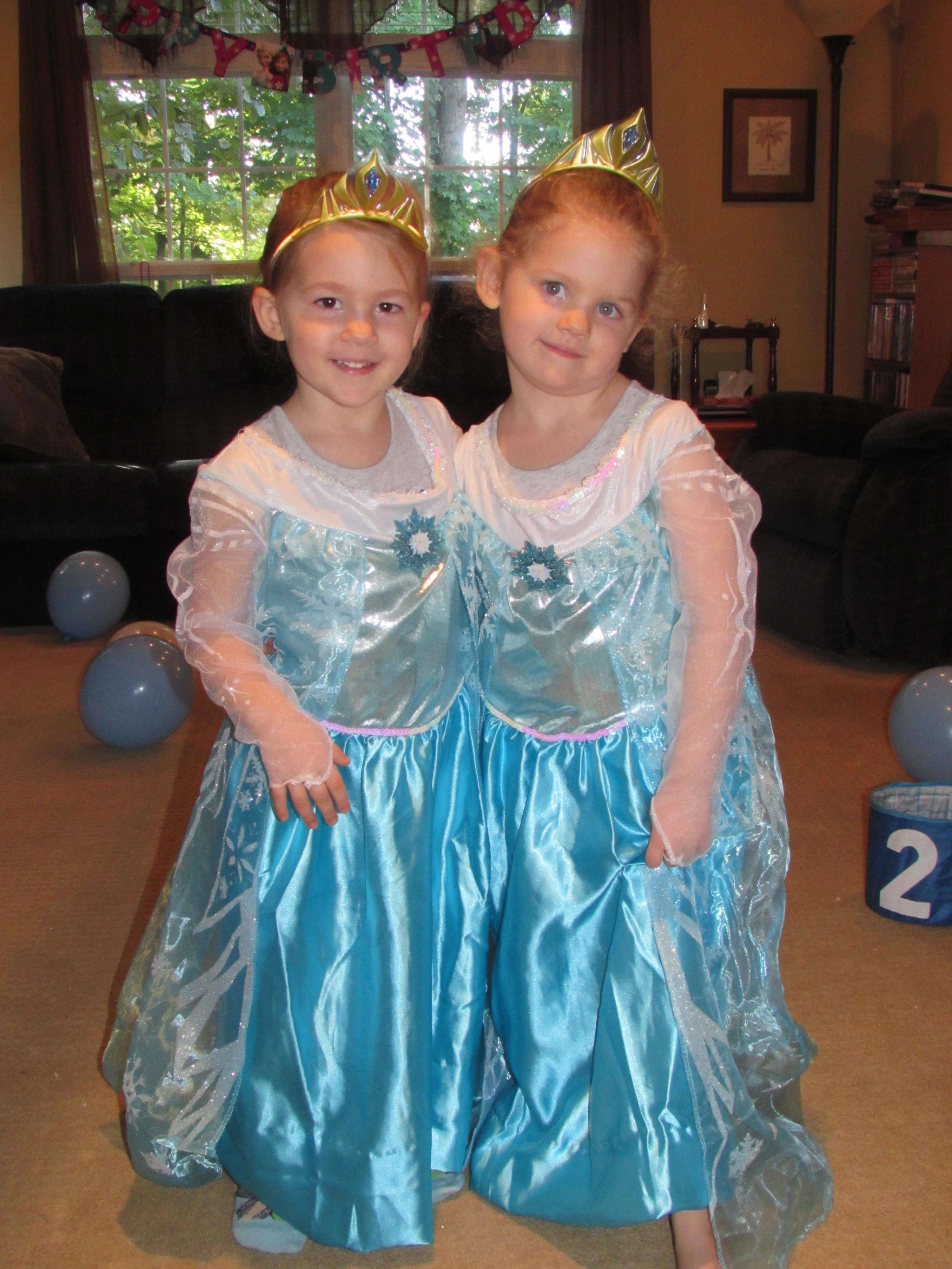 Frozen Birthday Party! | Kindergarten Nana